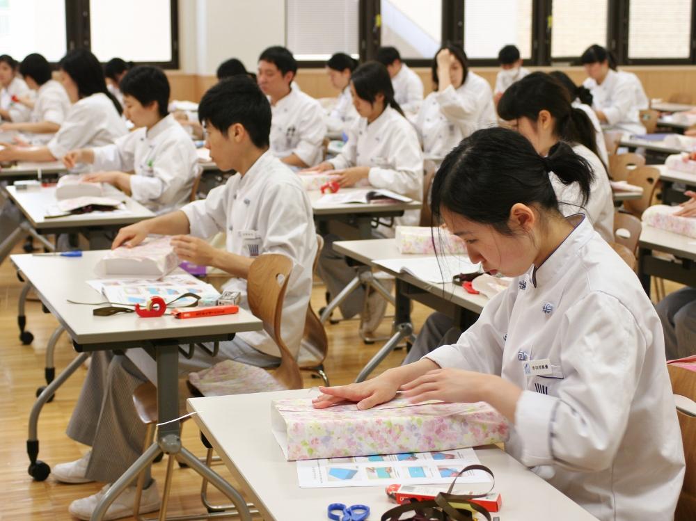 http://www.tokyoseika.ac.jp/schoolblog/IMG_8344%20%281000x749%29.jpg