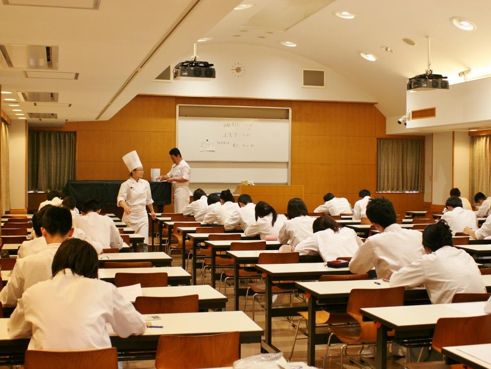 http://www.tokyoseika.ac.jp/schoolblog/IMG_8484%20%281000x751%29.jpg
